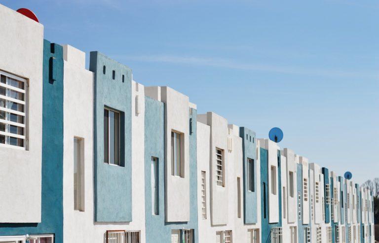 Na konci července proběhl v Senátu kulatý stůl Iniciativy Za bydlení, která zde představila výstupy z výzkumu o bydlení.
